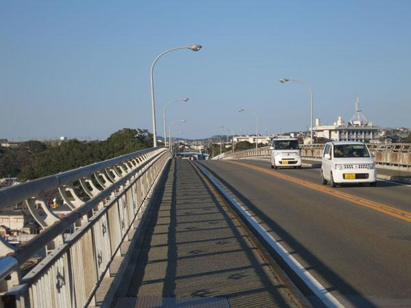 城ヶ島大橋 橋の上.jpg
